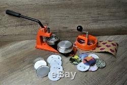 Micro Badge Maker Machine De Fabrication De 100 Badges, Coupe-cercle Et Meurent 58mm